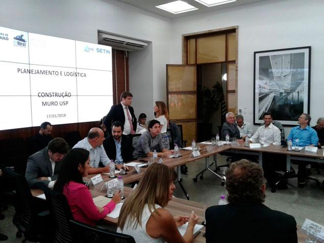 presidente da Afeal, Antonio Antunes, durante a reunião do comitê gestor do projeto